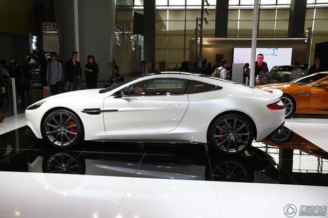 白色车最耐脏!哪种颜色的车最安全和保值?