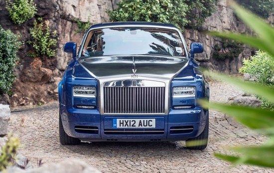 目前,劳斯莱斯官方发布了更多关于2013款幻影coupe车型的高清图片