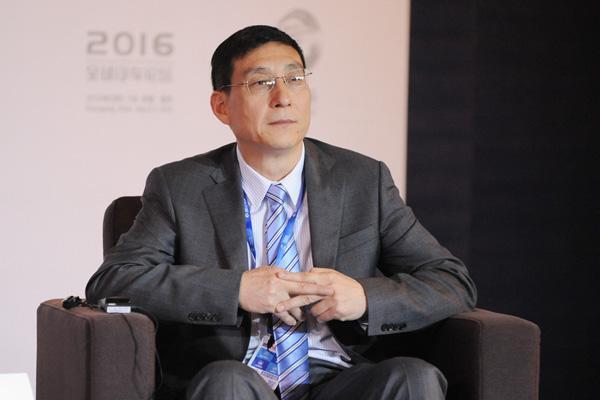 荣强:中国汽车行业仍处在大的转型期里