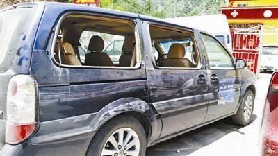 《每日猜车》第773期:援藏志愿者座驾被砸