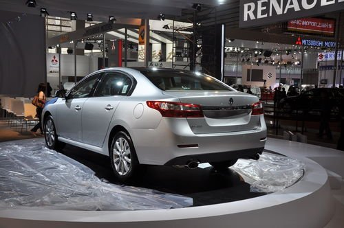 全新中型车 雷诺纬度广州车展正式发布