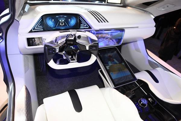 奇点汽车内饰-第一辆能开的互联网电动车 智车优行推奇点汽车高清图片