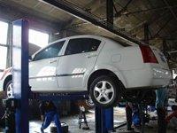 夏季汽车保养注意事项之 油品需及时更换