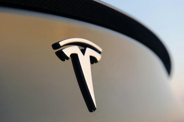 特斯拉就司机因过度依赖Autopilot而发生事故作出回应