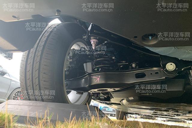 荣威互联网SUV新大哥/传祺轿车靠它重生? 最热国内新车谍照消息盘点