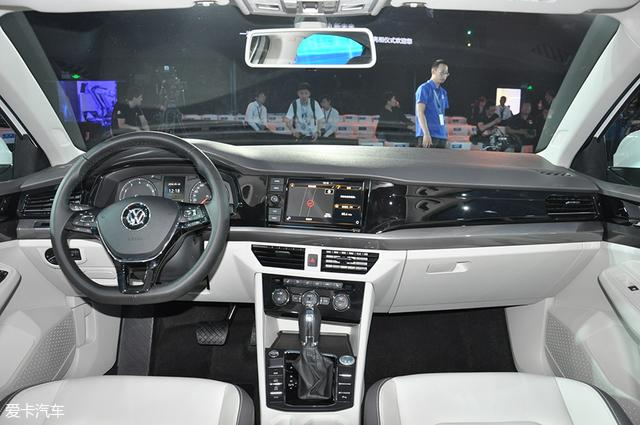 一汽-大众全新一代宝来下线 内外革新