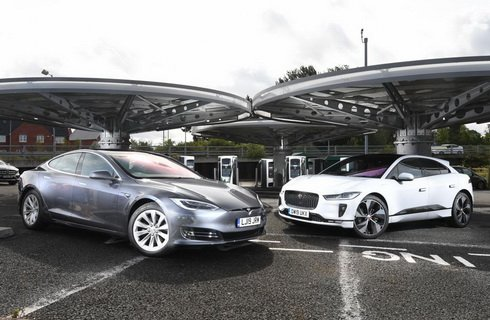 传统车企反击新兴造车势力 特斯拉Model S vs 捷豹I-Pace