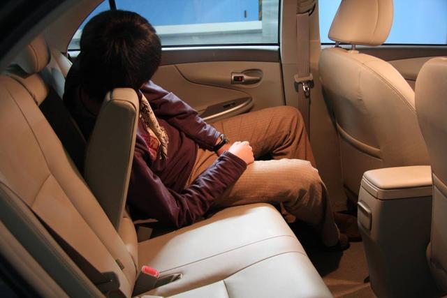 在车上睡觉必须知道这点 否则严重时会致命