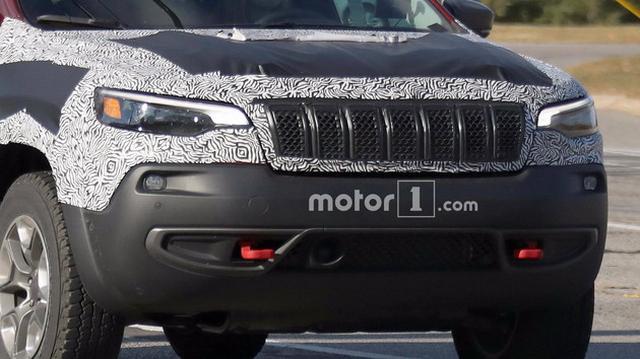 新款Jeep自由光性能版曝光 搭载3.2L动力