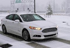 谷歌无人车技能新挑战:克服雨雪干扰