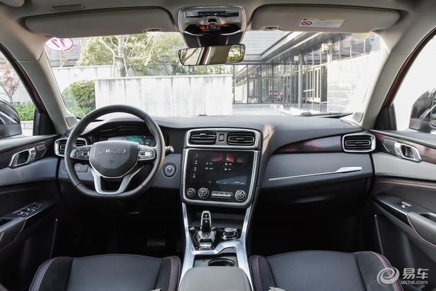 领克01 2.0T两驱型+版上市 售17.18万元 增加车身配色