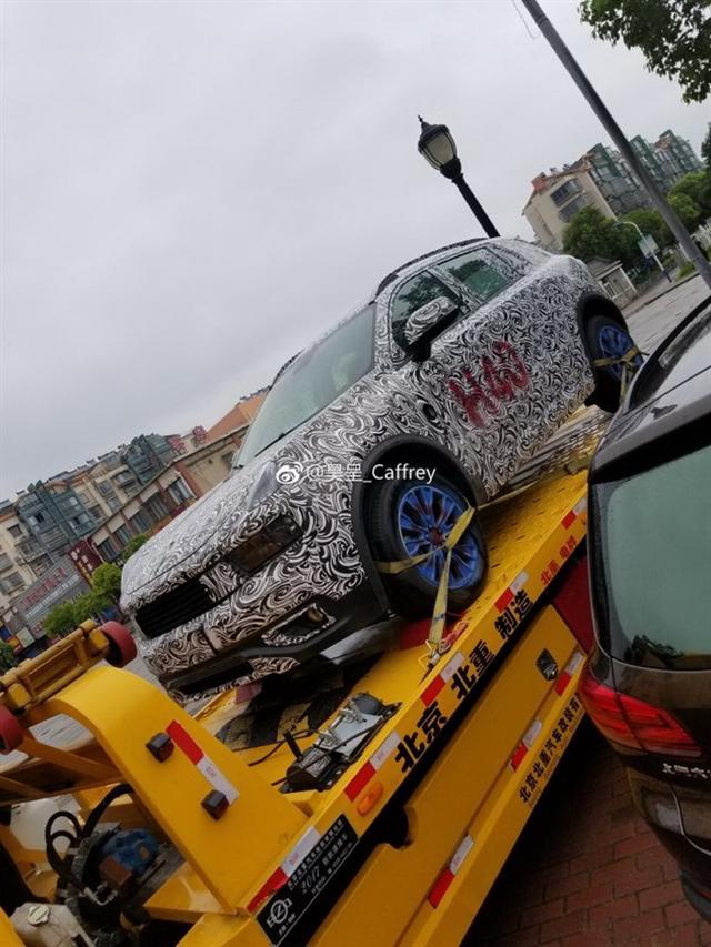 高端自主SUV再添新成员 领克01插电混动谍照