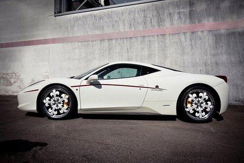 花轮毂?法拉利458 Italia装鳶尾花轮圈