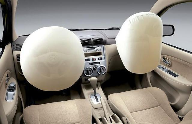 车辆安全气囊何时会失效 实际寿命比整车短