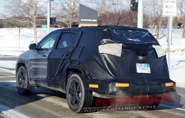 Jeep自由光疑似7座版谍照 后悬加长轴距不变