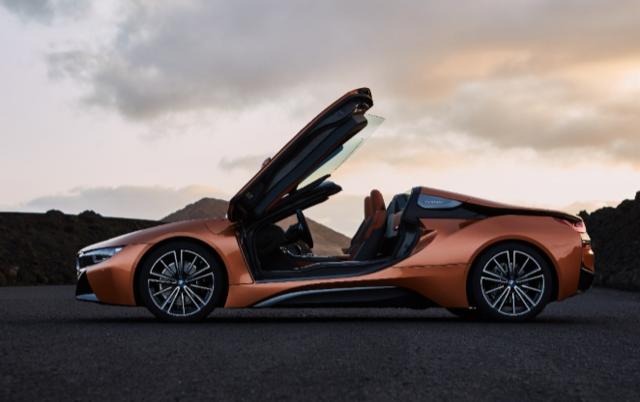 作为最受欢迎的进口豪华车品牌 宝马以最强阵容亮相首届进博会