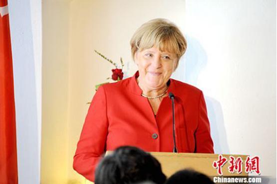"""德总理默克尔就大众""""尾气门""""作证 否认政府存在过失"""