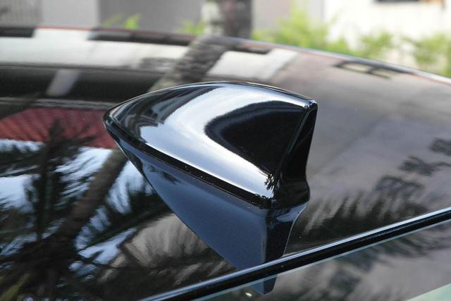 车顶的鲨鱼鳍是做什么的?99%的人不知道