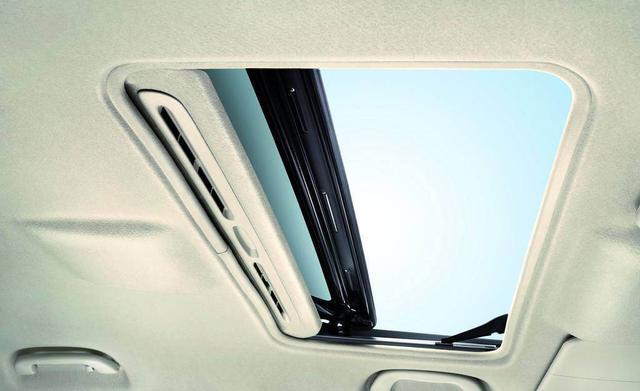 天窗要是这么用 真不如不买带天窗的车