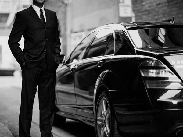 Uber披露去年财报:总交易200亿美元 净亏损28亿美元