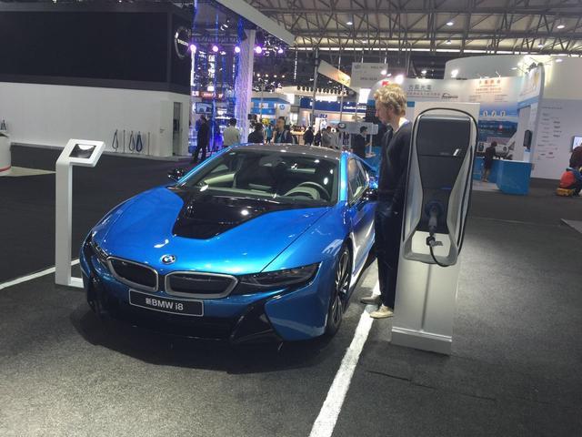 """BMW i 互联概念车中国首秀 展示未来出行""""黑科技"""""""