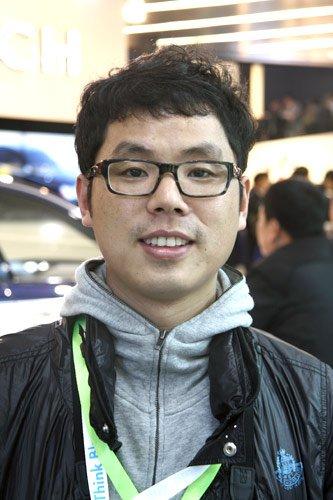 李季:普及推广电动车条件尚不成熟