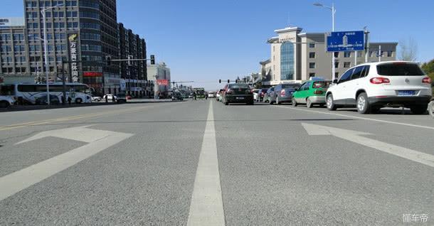 新手上路这几种马路标线一定要注意 熟记于心对大家都安全