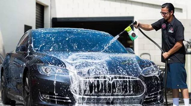 划痕都是洗出来的 有这些设备绝不进店洗车