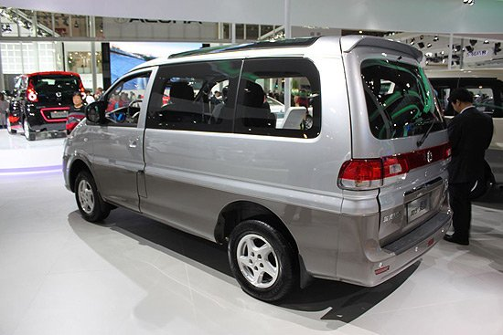 2012款风行菱智M5上市 售9.89 16.48万元