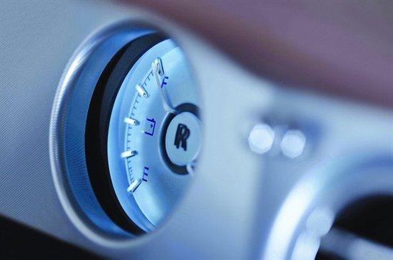 劳斯莱斯幻影电动版概念车电量表
