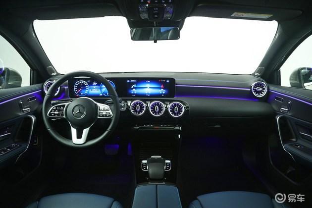 奔驰全新A级部分配置曝光 标配7英寸双显示屏