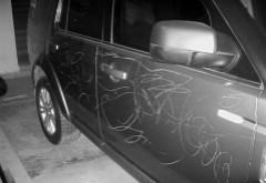 汽车划痕险和玻璃险 到底要不要买?