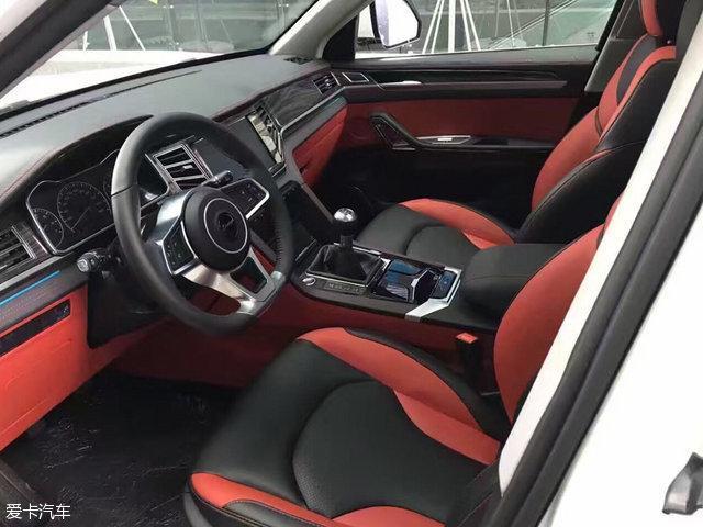 众泰又一款神车 大迈X7最新实车图曝光