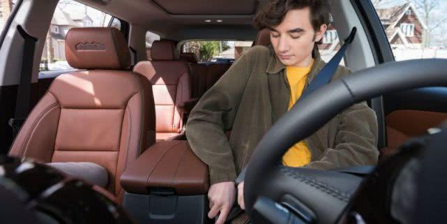 通用推出新功能:安全带系好前车辆将锁定在P档