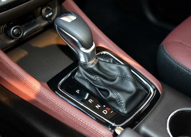 凌轩自动挡车型上市 售价8.79-11.09万元