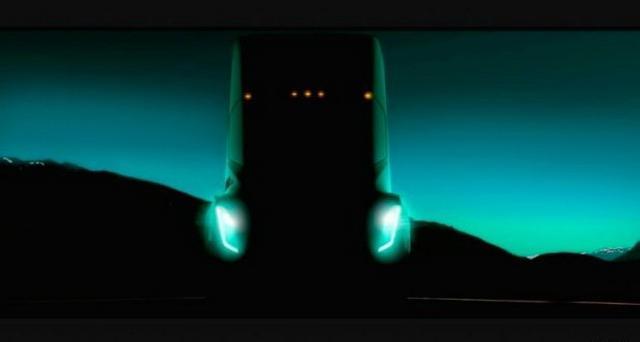 半自动驾驶系统 特斯拉11月16日发布重卡Semi