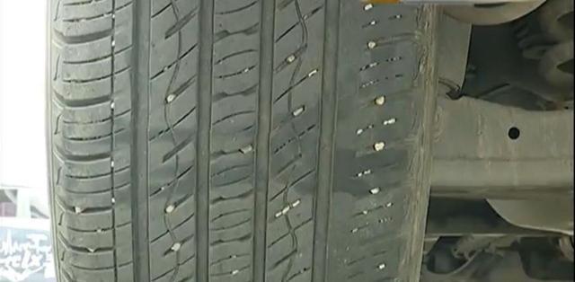 小伙開車7萬多公里后輪卻遭嚴重磨損 4S店 習慣問題