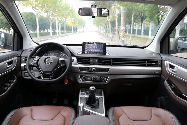 东风风行SX6 2.0L手动豪华上市 售价8.29万