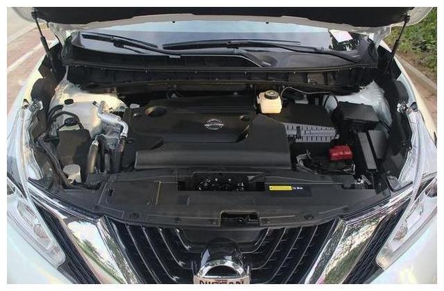 用力踩油门能费多少油?老司机可能都想不到