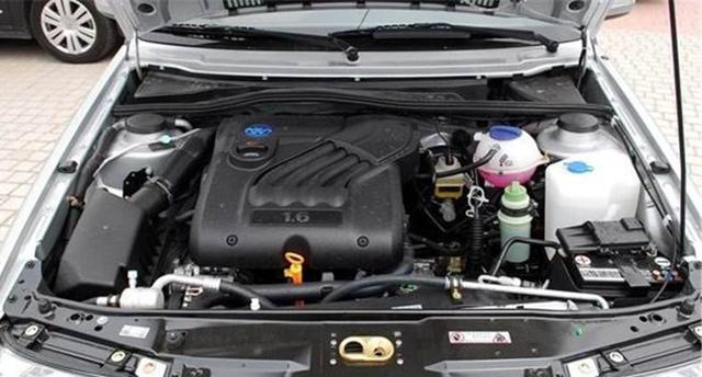 汽车的水箱可以加水吗 车嫌热该怎么办