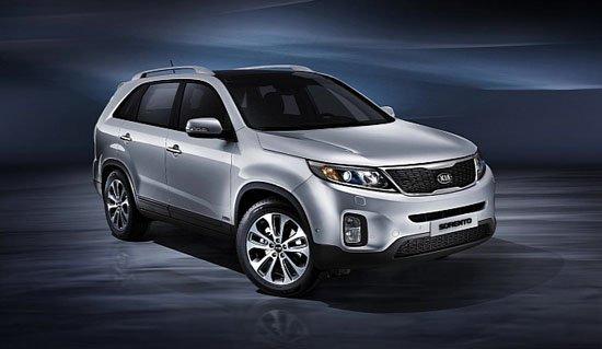 日前,起亚提前公布了几张中期改款索兰托的官方图片,新车预计将在9月开幕的巴黎国际车展上首发亮相