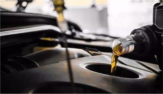 汽车换机油前不换机滤 白白加了半年油钱