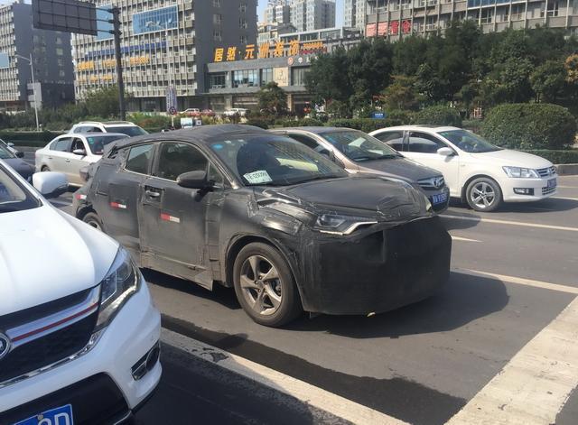 值得期待丰田全新SUV C-HR国内路试谍照曝光