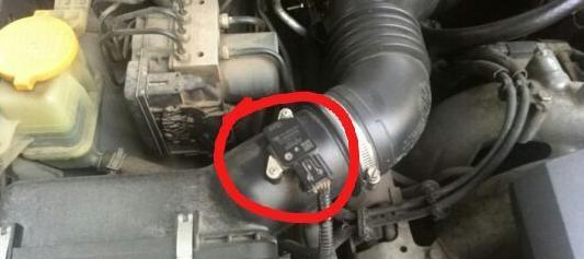 冷车启动怠速不稳/汽油味重!你知道原因吗