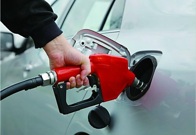 31家车企平均油耗不达标 考核倒逼行业升级