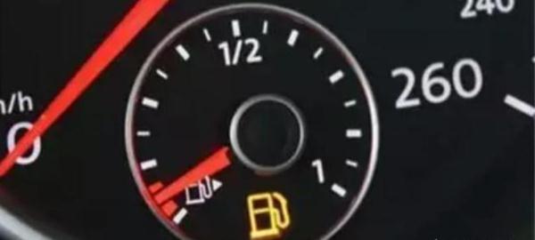 汽车出现了以下这4种症状 说明车该换火花塞