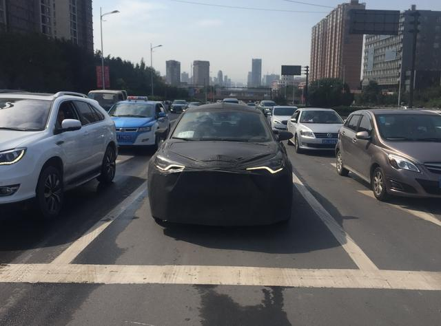 值得期待丰田全新SUV C-HR海内路试谍照曝光