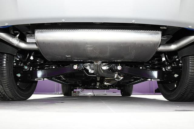 風格偏硬朗/軸距2750mm 榮威MAX全新SUV亮相