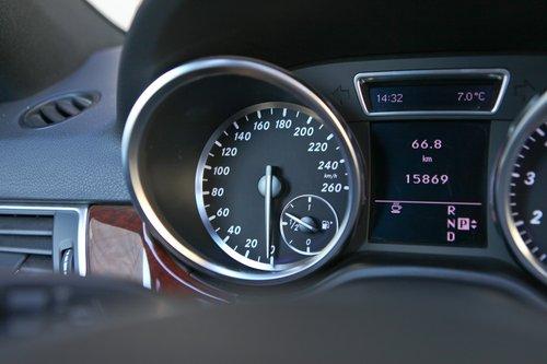 揽胜运动版 vs 奔驰ML350