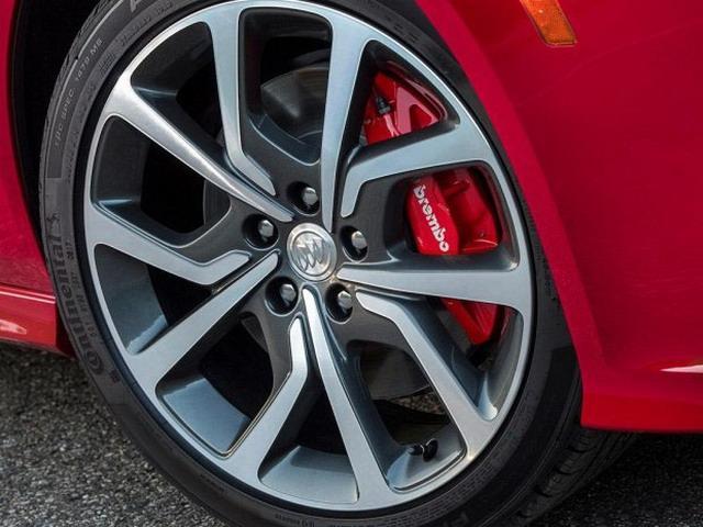 四驱配V6自吸发念头 美版全新君威GS公布